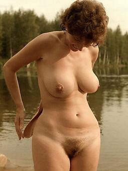 juggs nude beach moms