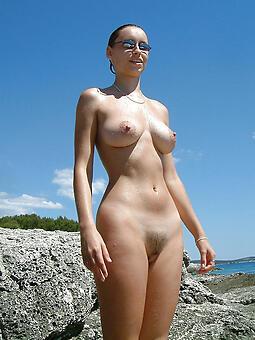 hotties nude beach moms pics