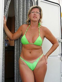 cougar materfamilias in bikini porn pics