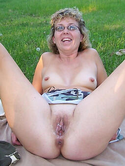 nude mature girlfriends porn pic