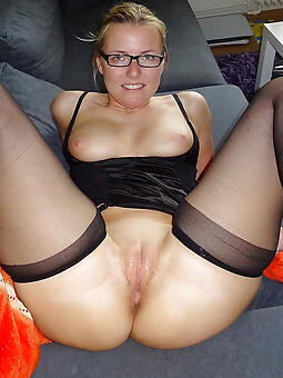 porn pictures of ladies in glasses