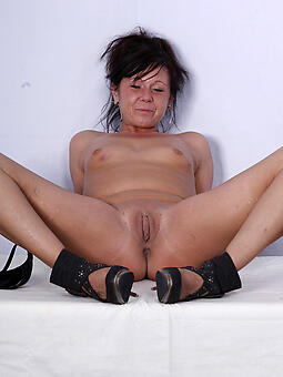 cougar grown up shaved pussy