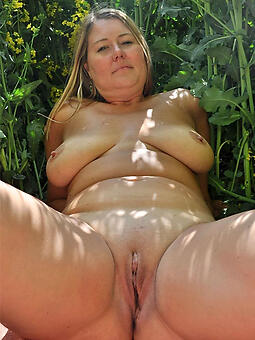 grown up shaved pussy porno