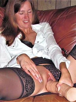 cougar mom masturbates nude