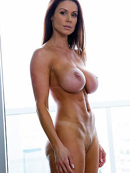 porn pictures of hot adult mom