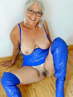 cougar moms desist 60 nude photo