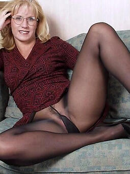 porn pictures of pantyhose moms