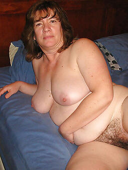 hairy old woman pussy unconforming naked pics