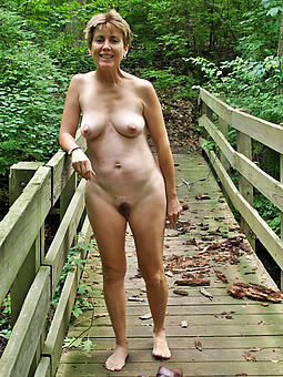 alfresco matures hot porn show