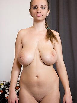 natural nude moms over 30