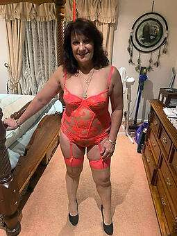 hot mature wife pussy stripping