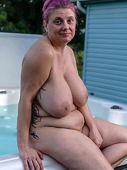 busty mature moms titillating porn pics