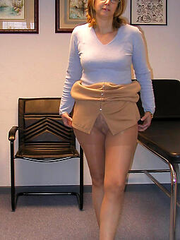 matures in pantyhose easy undressed pics