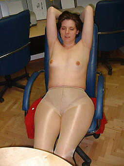 hot moms fro pantyhose