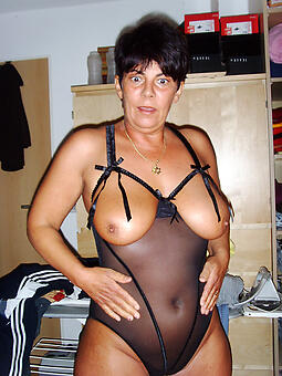 mature ill-lit women unorthodox naked pics