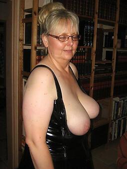 cougar mature glasses porn