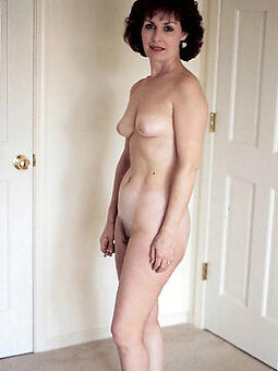 hotties moms with small breast pics