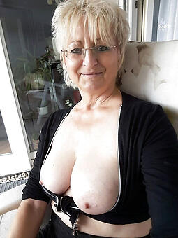 Naked lady pics