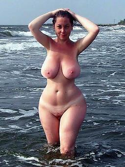 juggs sexy curvy ladies photo