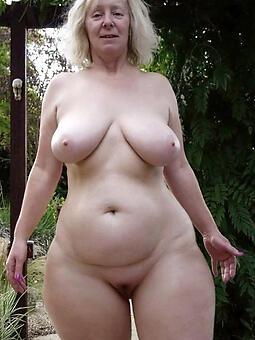 luring sexy curvy aristocracy pics
