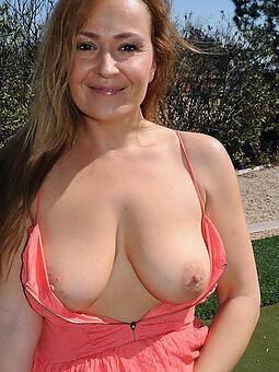 sexy nude moms porn pic