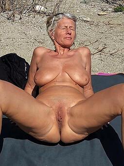 hotties moms workless