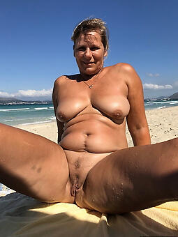 porn pictures of mature women beach