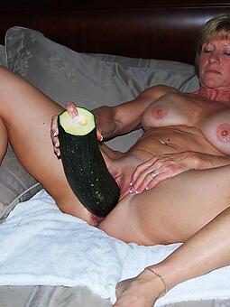 cougar progenitrix masturbating pics