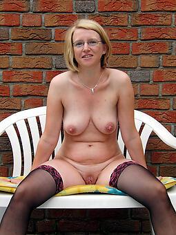 hot mature mom free pics