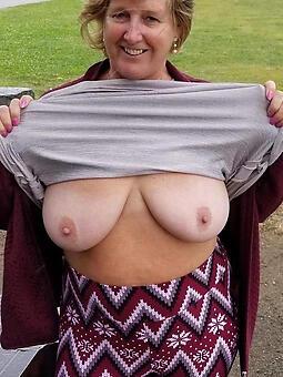 huge mom boobs free porn pics
