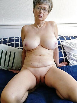 perfect hot older moms
