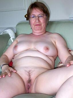 nude older mom