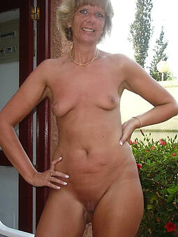 hotties off colour naked mom