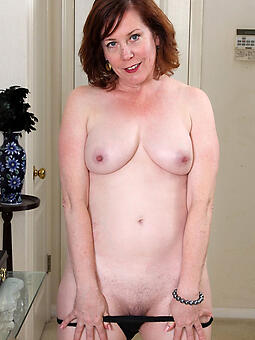 porn pictures of sexy naked mom