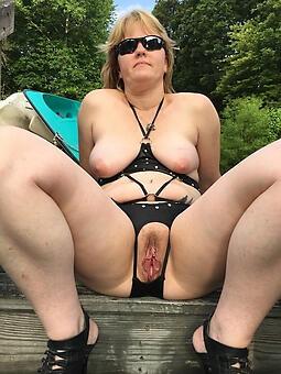 down regarding the mouth hot ladies regarding bikinis marauding