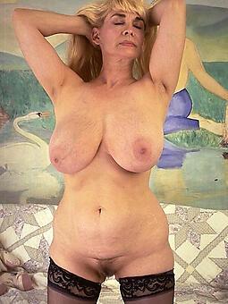 porn pictures of curvy matured column