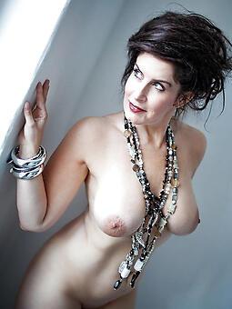 juggs nude full-grown moms pics