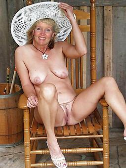 hotties classy moms nude launching run