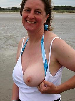 hot mom big tits free naked pics