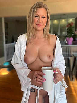 real mature housewives free naked pics