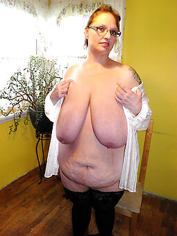 mom more saggy boobs easy naked pics