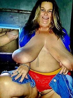 mama saggy boobs porn pics