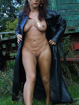 whore mature ladies outdoors gallery