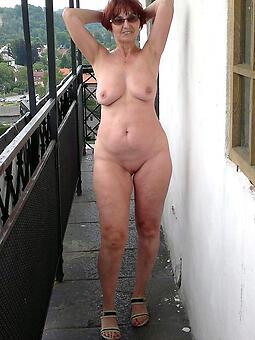 hotties marketable redhead mom