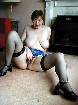 hot mom in stockings free naked pics