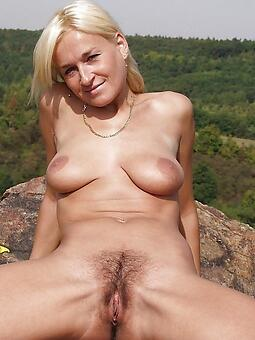 unrestricted naked moms doused pics