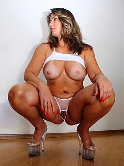 hotties exposed sexy moms