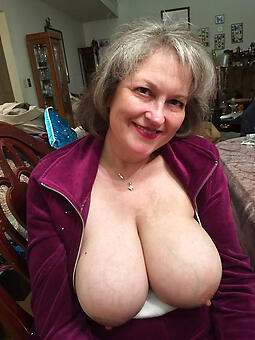 natural busty starkers ladies pic