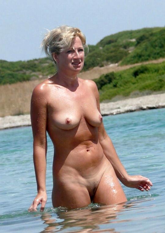 juggs dressy naked ladies