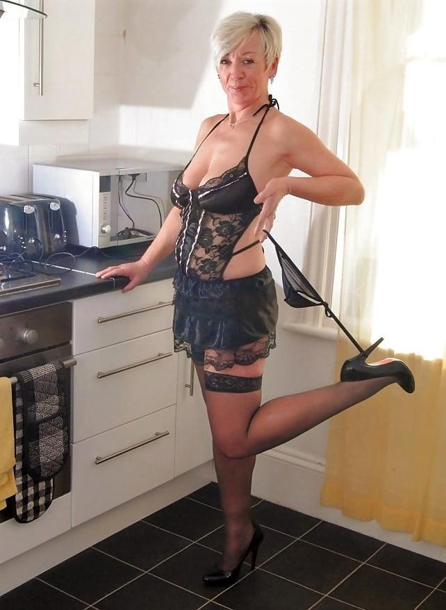 amateur spiffy nude moms pics
